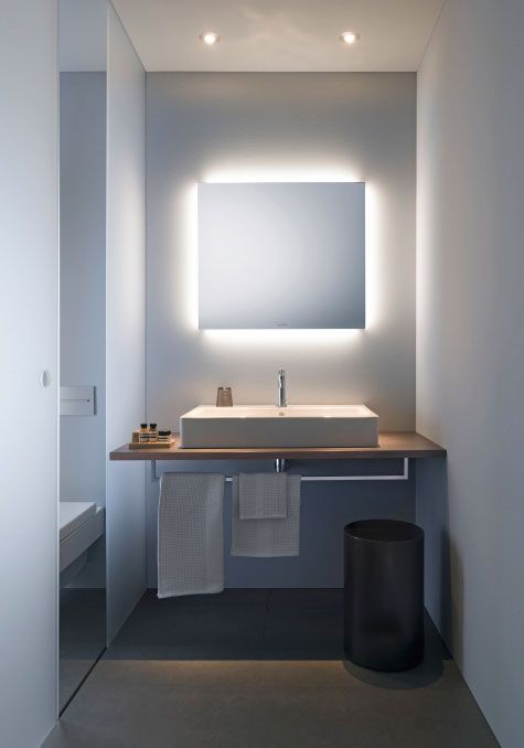 light and mirror
